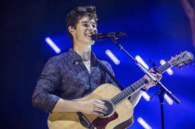 Shawn Mendes at Toyota Center